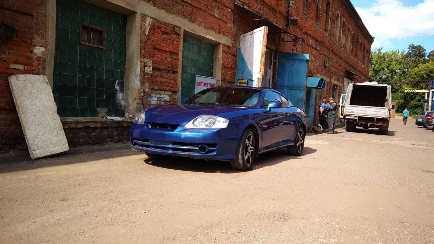 На фото Hyundai после полной покраски кузова