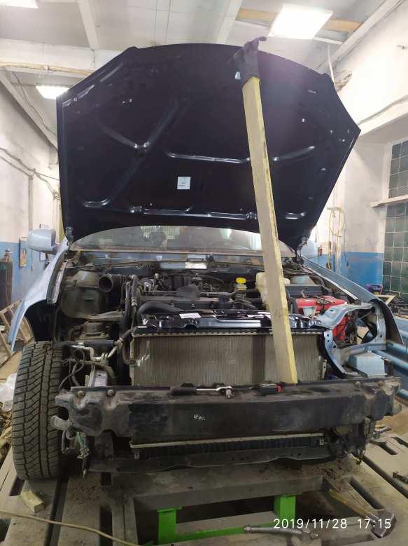 Фото Chevrolet в процессе ремонта
